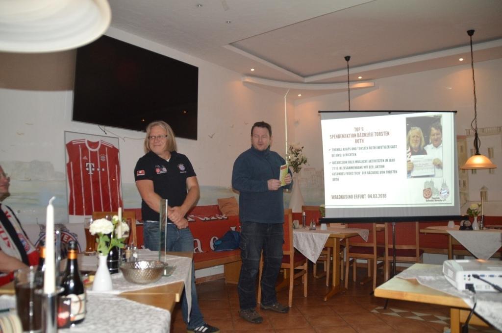 """Thomas (stellv. Vorsitzender) und Torsten Roth bei der Vorstellung der Aktion """"Gesundes Frühstück"""""""